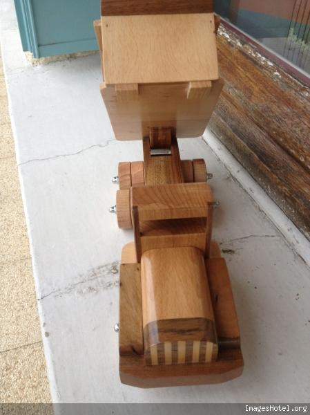 Camion en bois Img0824